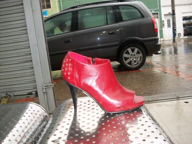 Servicios en la Industria de los Zapatos